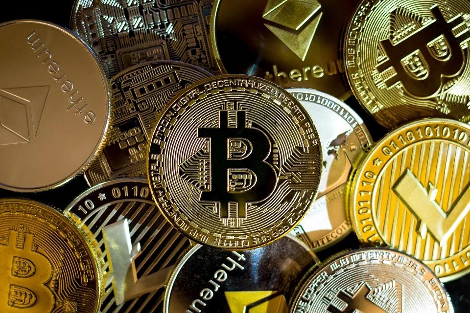 Informe del FMI prevé que los criptoactivos sustituirán a las monedas fiduciarias