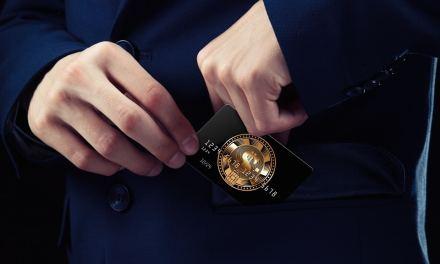 Empresa británica lanza tarjeta de débito que permite recibir reembolsos en criptomonedas