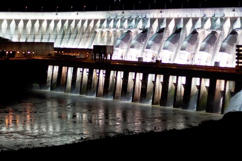 Represa en Paraguay puede proveer energía para minería decriptomonedas
