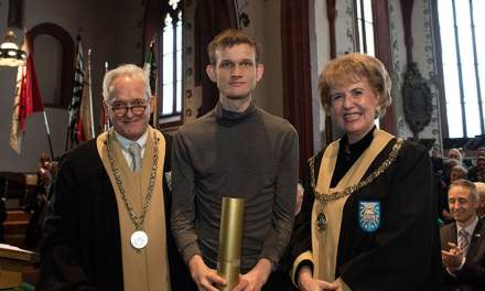 Vitalik Buterin recibe doctor honoris causa de la Universidad de Basilea