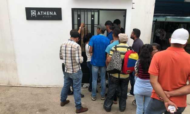 Instalan cajero de bitcoin en la frontera de Colombia con Venezuela
