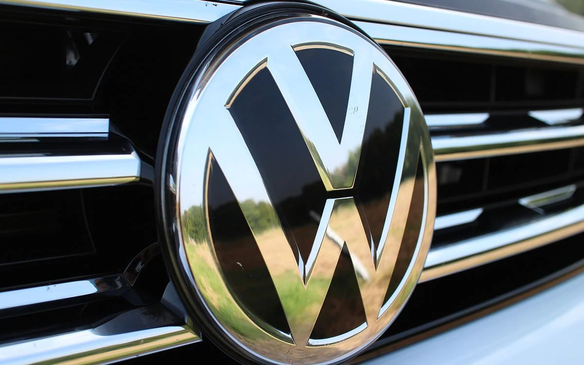 https://www.ccn.com/volkswagen-seeks-patent-for-inter-vehicular-blockchain-communications-system/
