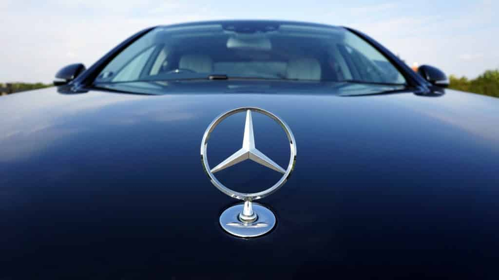 Mercedes Benz e Icertis inician proyecto blockchain