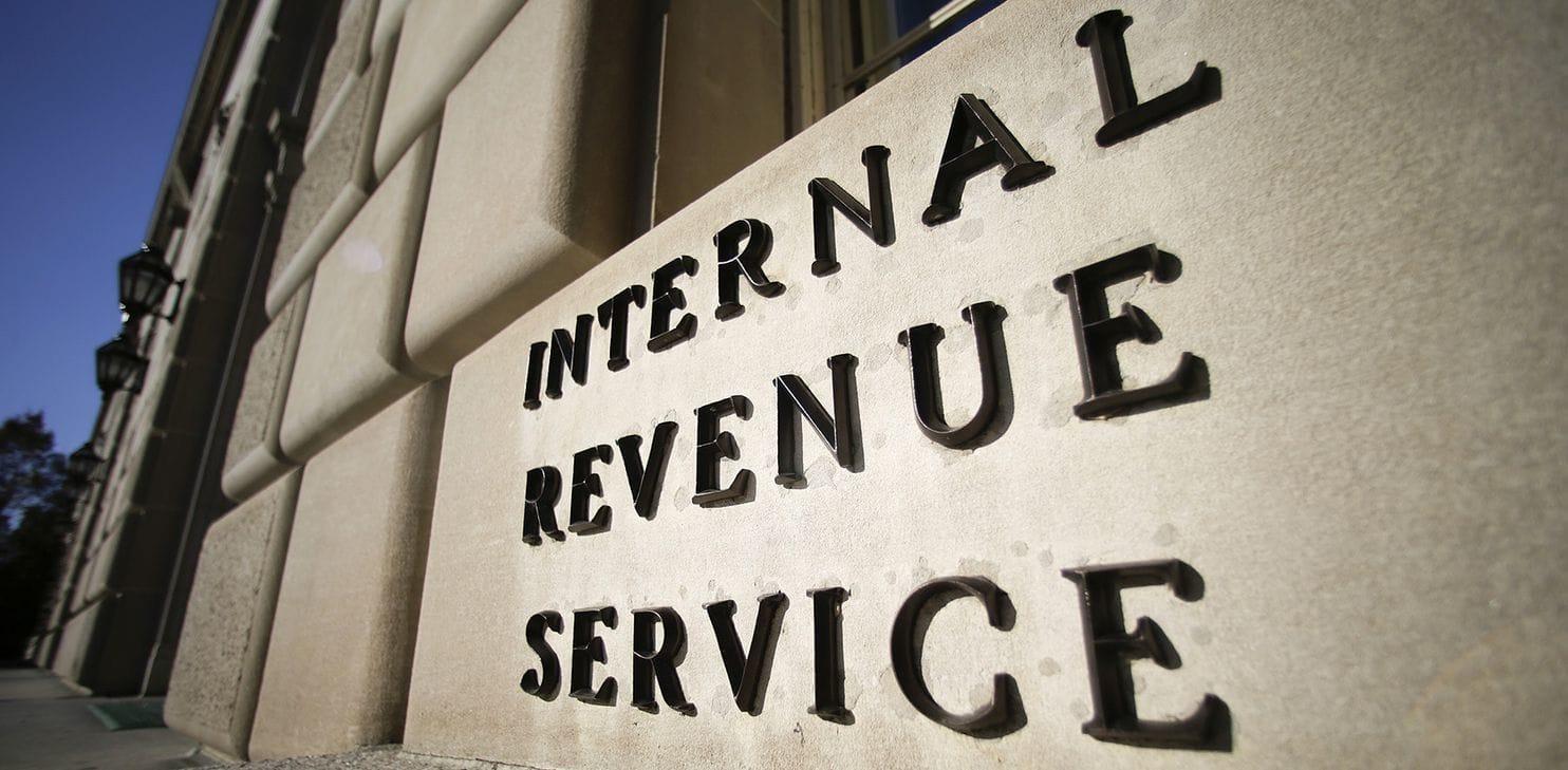 Agencia tributaria estadounidense advierte a miles de usuarios criptográficos con respecto al pago de sus impuestos