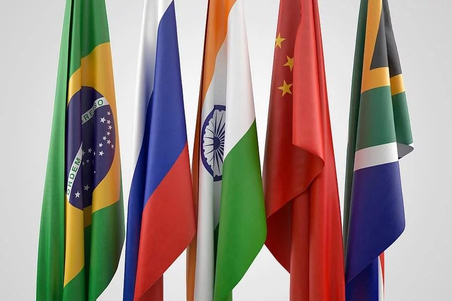 Coalición internacional de Brasil, Rusia, India, China y Sudáfrica estudia el desarrollo de un sistema de pago y una criptomoneda propia para facilitar sus transacciones