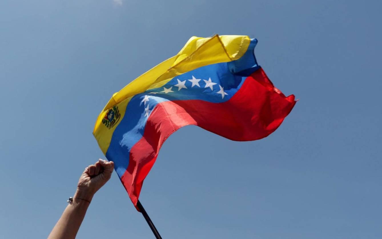 Departamento de Estado advierte sobre el comercio con criptomonedas y entidades sancionadas en Venezuela, mientras que la ALAV analiza el impacto del Petro en la industria aérea