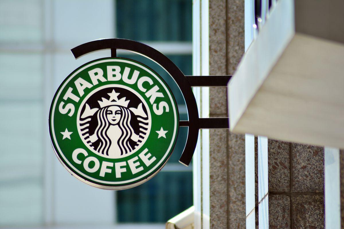 Starbucks asegura no estar participando en las pruebas piloto del yuan digital en China