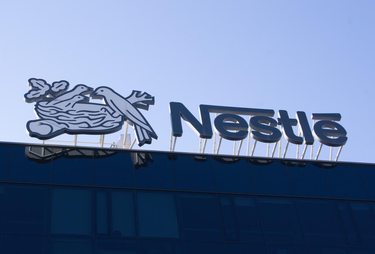 Nestlé se apoya en la tecnología blockchain para impulsar la transformación digital y simplificar la cadena de suministro de sus productos