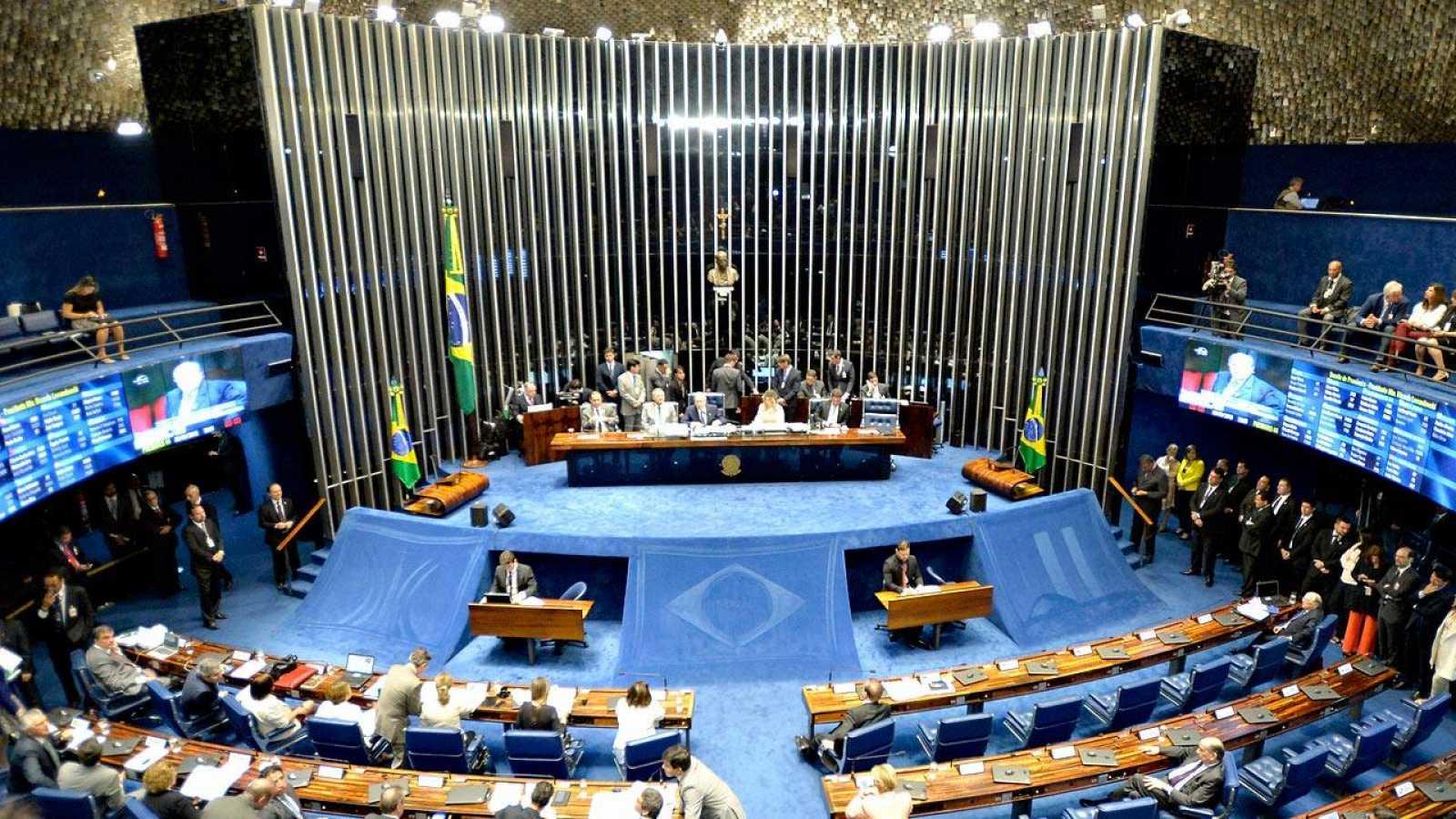 Presentan una propuesta en el Senado de Brasil para regular las transacciones de Bitcoin y otras criptomonedas, bajo el control del Banco Central y la Comisión de Bolsa y Valores del país