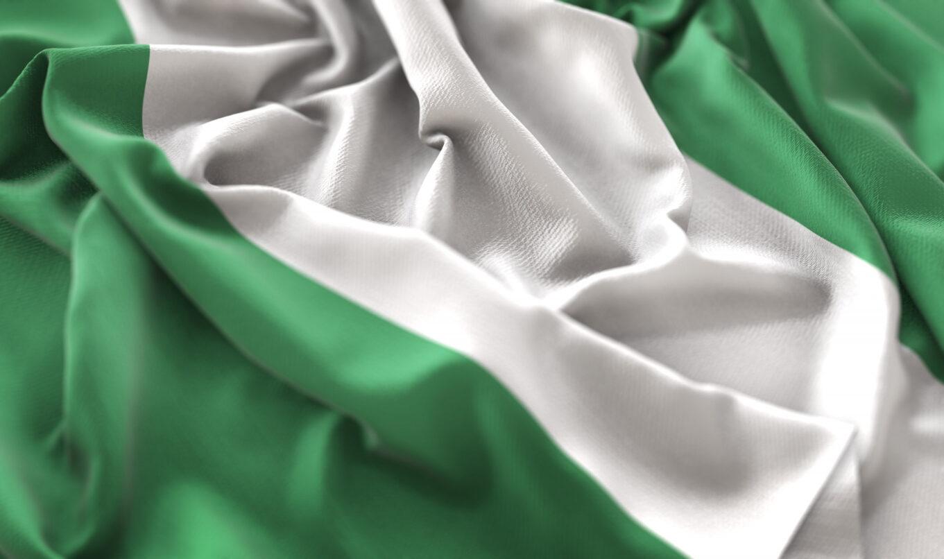 Parlamentario de Nigeria responsabiliza a Bitcoin por la pérdida de valor de la moneda nacional, aunque el Senado se opone a la prohibición de las criptomonedas en el país