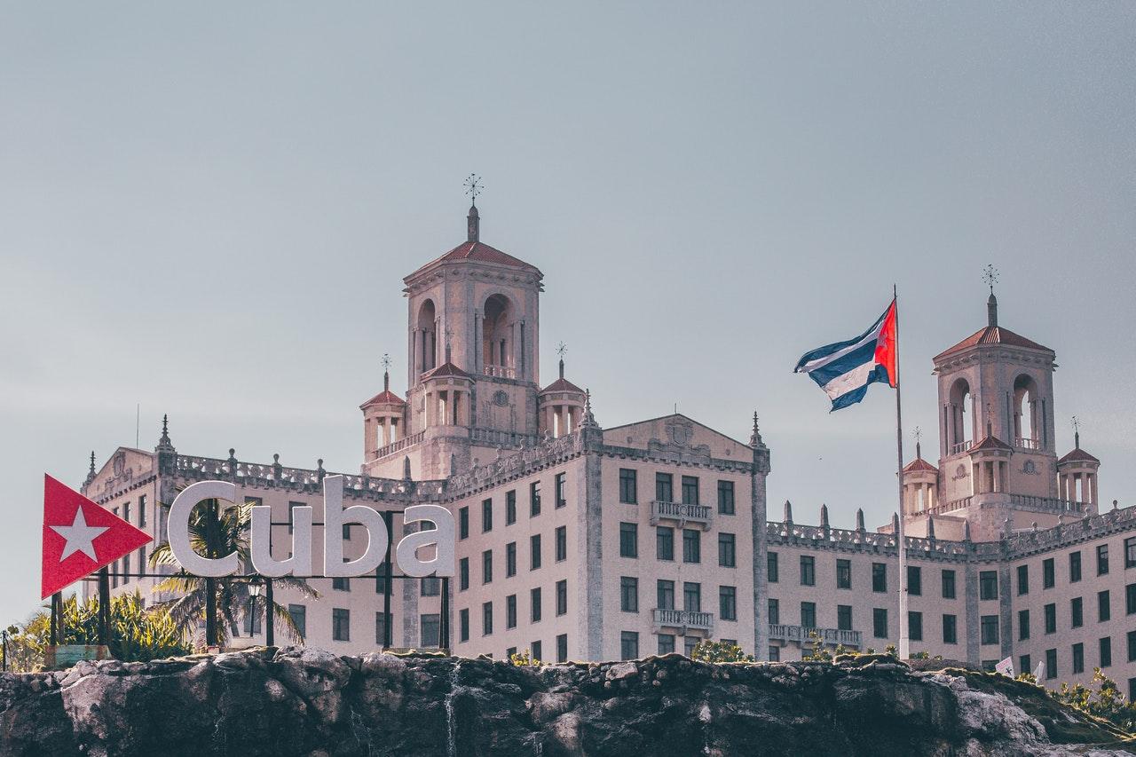 Banco Central de Cuba reconoce a las criptomonedas como medio de pago y establece regulaciones