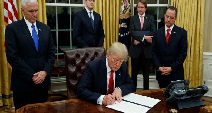 Βόμβα Τραμπ: Παγώνει τη σύνδεση ΗΠΑ-ΕΕ, χρησιμοποιεί τον κορονοϊό ως όπλο! 24