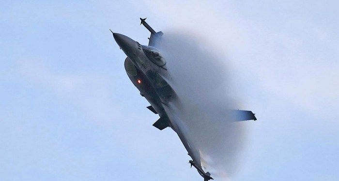 F-16 zeus
