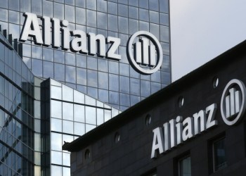 The logo of Europe's biggest insurer Allianz SE is seen on the company tower at La Defense business and financial district in Courbevoie near Paris, France, March 2, 2016.   REUTERS/Jacky Naegelen - RTS9411