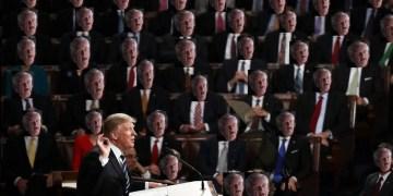 Γερουσία και Βουλή αδειάζουν ανοιχτά τον Τραμπ 1