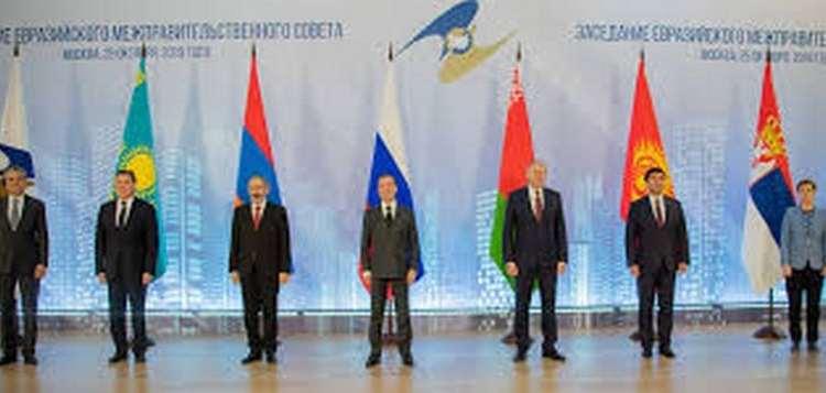 Η Ρωσία γεμίζει το κενό εξουσίας στα Βαλκάνια, δένει και οικονομικά τη Σερβία 23
