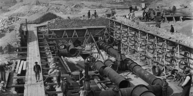 Κατασκευή υδαταποθήκης στο Γαλάτσι, 1929 Πηγή: Ιστορικό Αρχείο ΕΥΔΑΠ