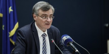 Αποδίδουν τα μέτρα για τον κορονοϊό: 54 νέα κρούσματα και δύο θάνατοι στην Ελλάδα 1