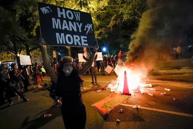 ΗΠΑ: Βγάζοντας (πολιτική) άκρη από το χάος.-Τραμπ, Twitter και Ζούκι πρωταγωνιστούν 26