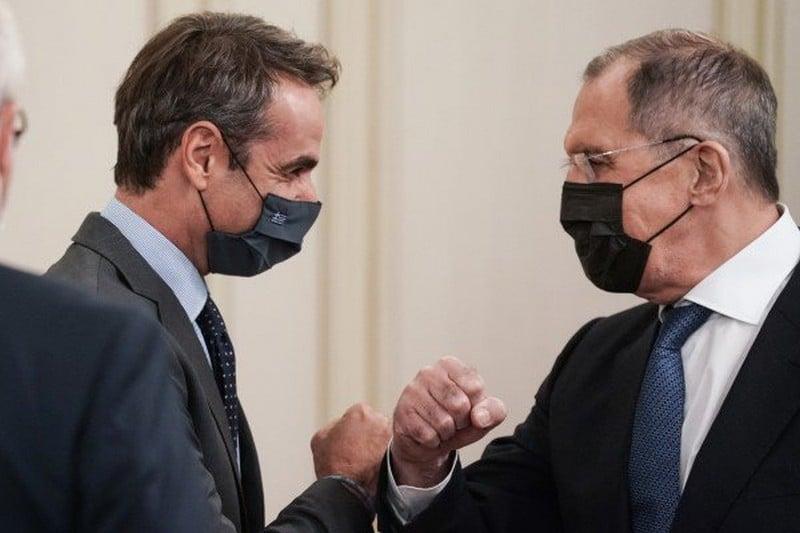 Ο Κυριάκος Μητσοτάκης και ο Σεργκέι Λαβρόφ στο Μέγαρο Μαξίμου
