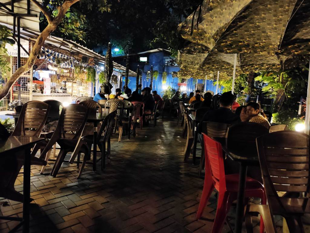 The ambiance of Benfish Restaurant
