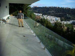 Instalación barandilla de cristal Marbella 4