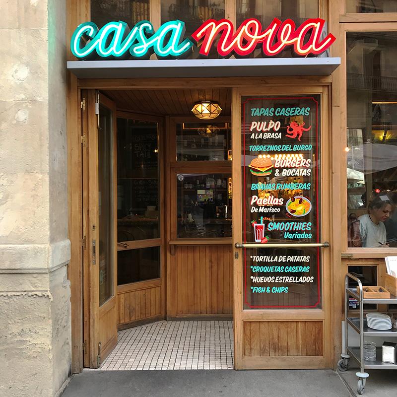 Rotulacion-a-mano-sobre-cristal-restaurante-barcelona