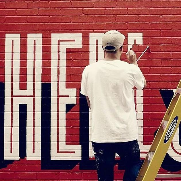 lettering-a-gran-escala-sobre-pared-rotulacion-tradicional