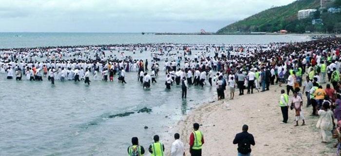 En Brasil bautizan a más de 12 mil Cristianos Evangelicos