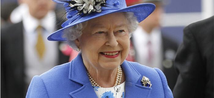 Reina Isabel II comparte acerca de su fe en Dios