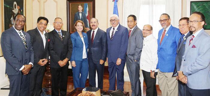 Pastores Evangélicos Oraron por el presidente Danilo Medina y le desearon éxitos en próximo mandato