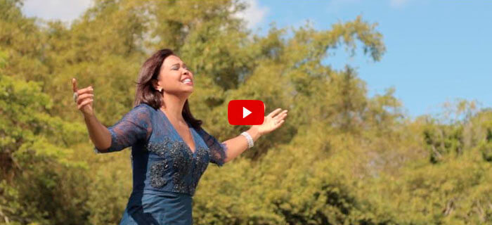 ESTRENO MUNDIAL: Raquel Amparo – Vuela (Video Oficial)