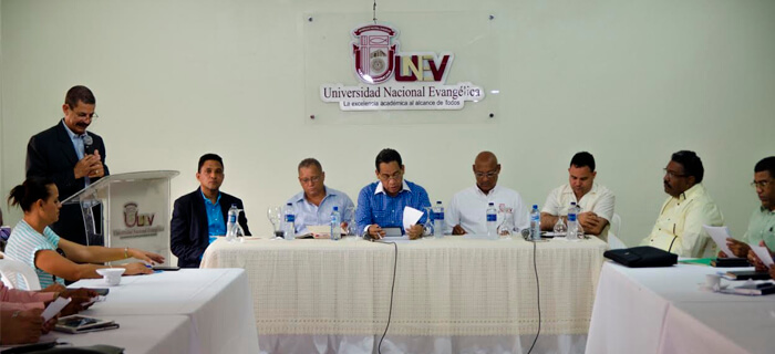 Comunidad Evangélica de Santiago se reúne con Obispo Medina para analizar Anteproyecto Ley Libertad Religiosa