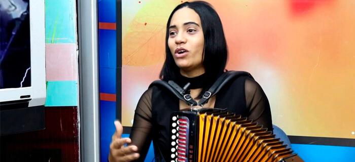 Raquel Arias reconocida con 2 nominaciones en Premios Galardón