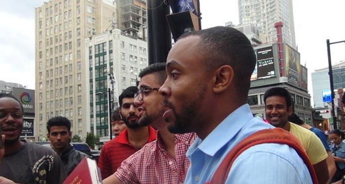 Predicador es arrestado en la calle por decir que homosexualidad es pecado