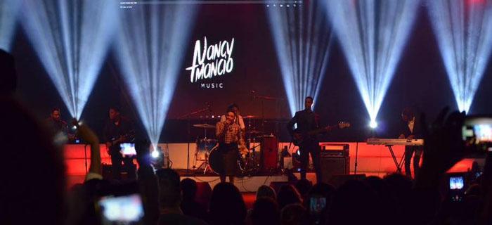 Nancy Amancio recibió Botón Dorado por su canal de YouTube