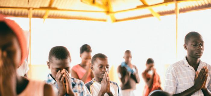 Niños y familias enteras apresados en Eritrea por orar a Dios