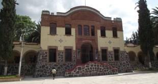 Remueven a rector de la UPFIM implicada en desvíos por 185 mdp