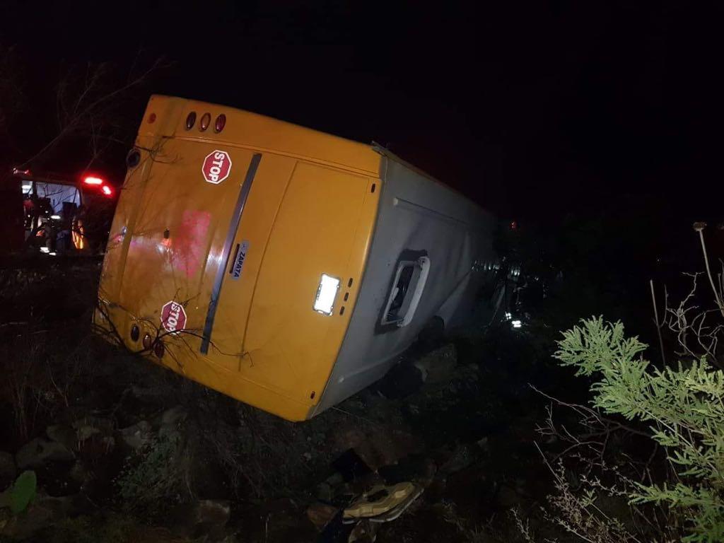 Vuelca autobús turístico en Hidalgo; hay 16 lesionados