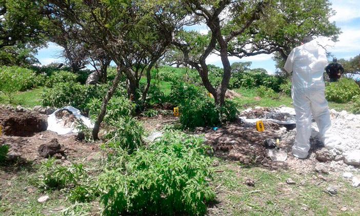 Hallan dos cadáveres con impactos de bala en Zimapán