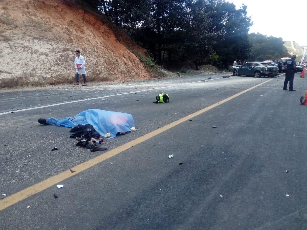 Muere motociclista en choque múltiple en Acaxochitlán