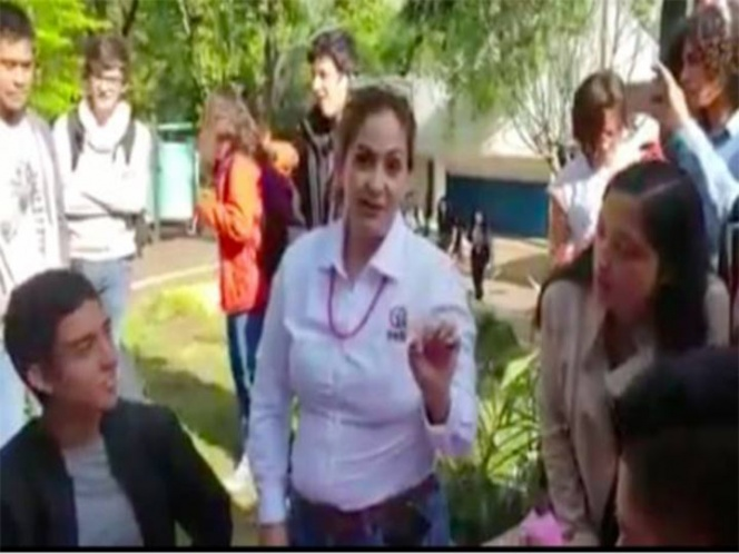Maestra cancela registro civil en kermés, por boda gay