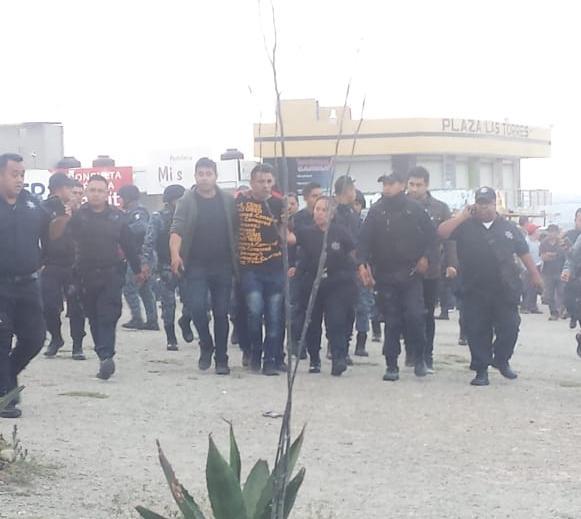 Retienen a presunto asaltante en El Saucillo; policía lo rescata