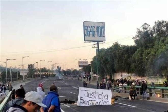 Manifestantes bloquean la México-Pachuca