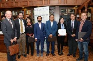 Universitarios mexicanos recibieron estímulos por investigaciones médicas