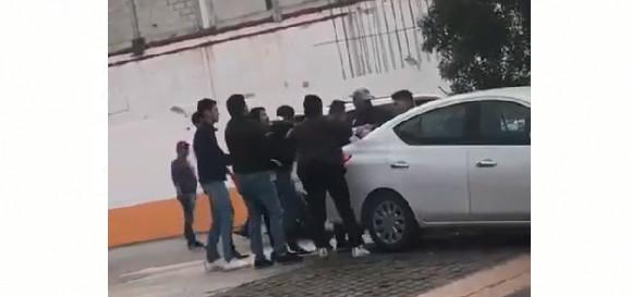 Deja riña en bares de Zona Plateada un herido (VIDEO)