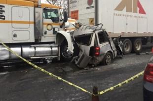 Accidente en la México-Querétaro dejó dos muertos