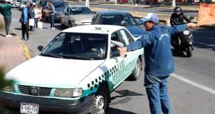 Secretaría de Movilidad pide filas únicas para transporte y niega suspensión