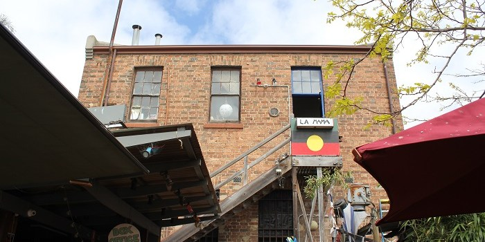 The Rush of Real World Sound: Acoustic Ecologies of Independent Theatre in Melbourne