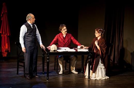 Mr. Muhsin's Memory of Hamlet Rewrites the History of Turkey's Theatre